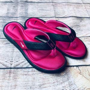 EUC Nike Comfort Flip Flops Size 8